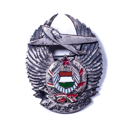 "Hungarian Badge for ""Excellent Civil Aviation Personnel"""