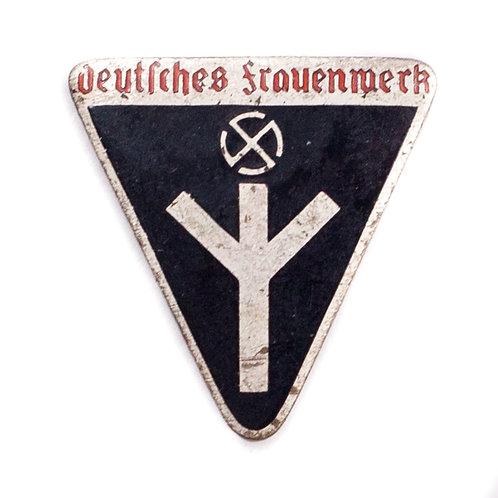 Frauenwerk Badge (Hermann Aurich, Dresden)
