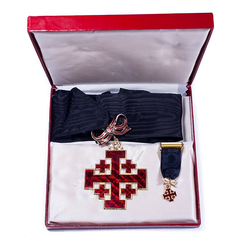 Order of the Holy Sepulchre, Cased (Dame Commander)