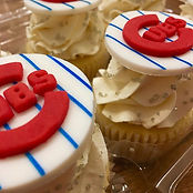 Chicago Cubbies cupcakes in its completi