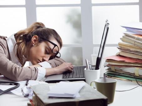 """8 hábitos que podem estar """"sugando"""" a sua energia"""
