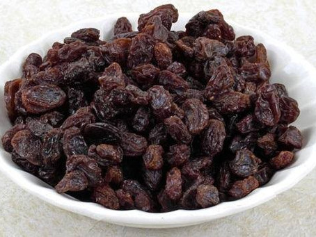 Os 10 benefícios da uva passa para a saúde