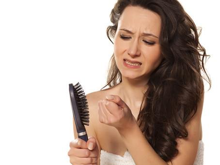 Queda de cabelos: saiba mais sobre mitos e verdades