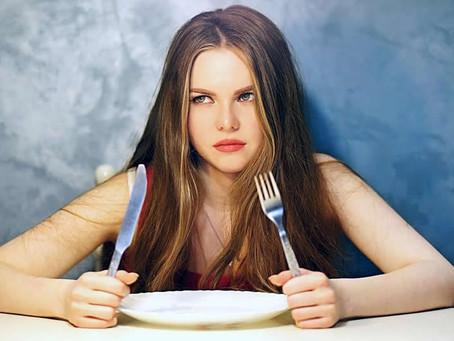 Por que os seres humanos ficam irritados quando estão com fome