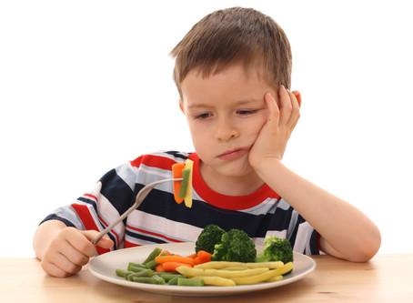 6 orientações para quando a criança não quer comer