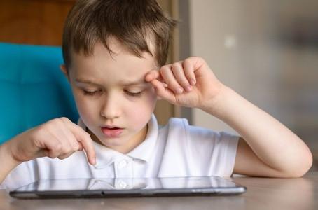 Tamanho do cérebro do bebê pode indicar se criança terá autismo, diz estudo