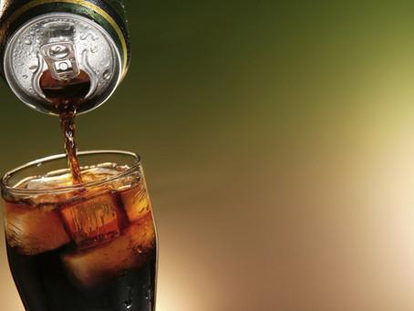 Consumo excessivo de refrigerantes pode causar paralisia muscular
