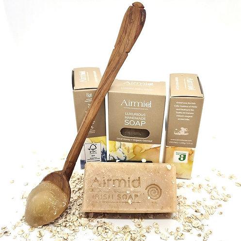 Naturseife mit rohem Honig und Bio-Hafermilch / Airmid
