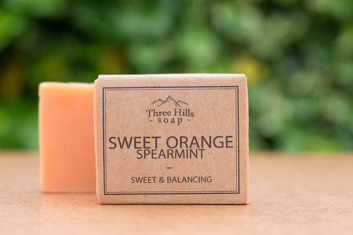 Naturseife mit süßer Orange und Krauseminze / Three Hills Soap
