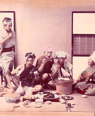 Kusakabe_Kimbei_-_2._WORK_MEN'S_HOLIDAY.