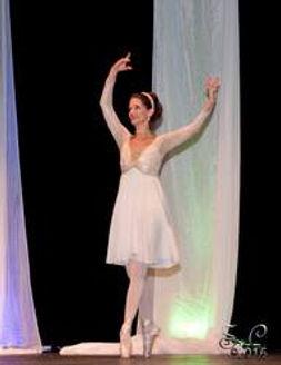 elaine_the_ballerina_193x250.jpg