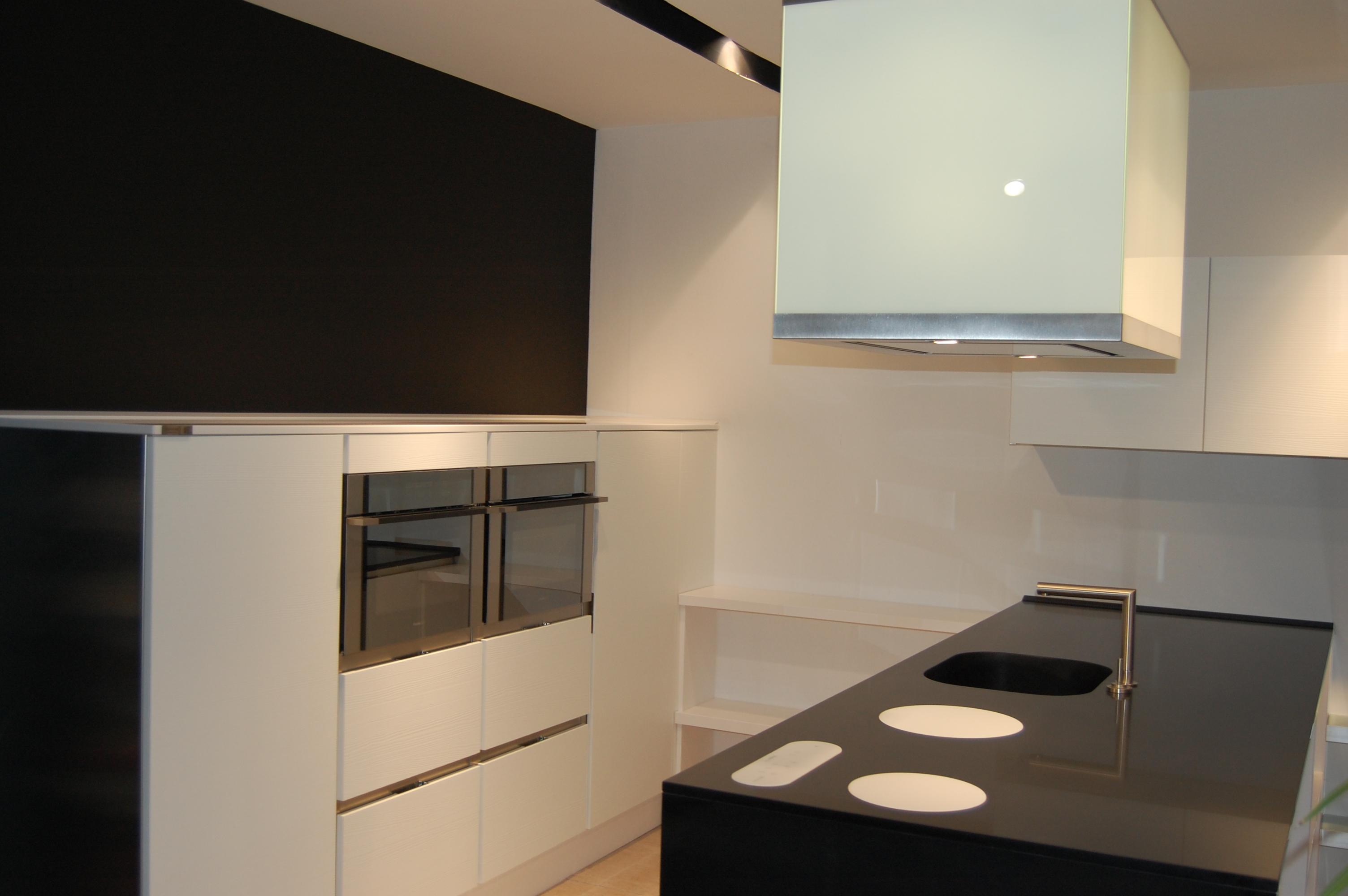 Cocinas modernas cad z sanl car de barrameda for Muebles de caoba en sanlucar de barrameda