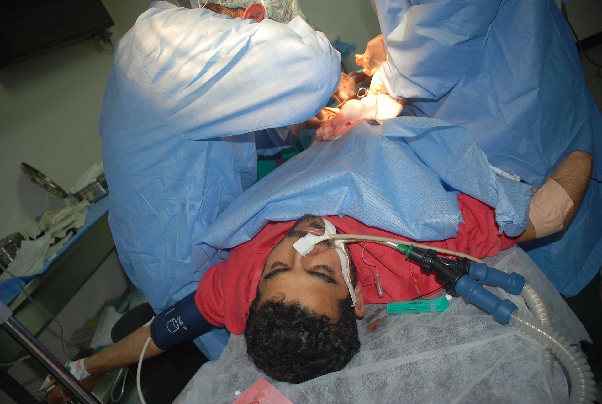surgery-872512_1920