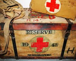 vintage-medical-bags-3845516_1920