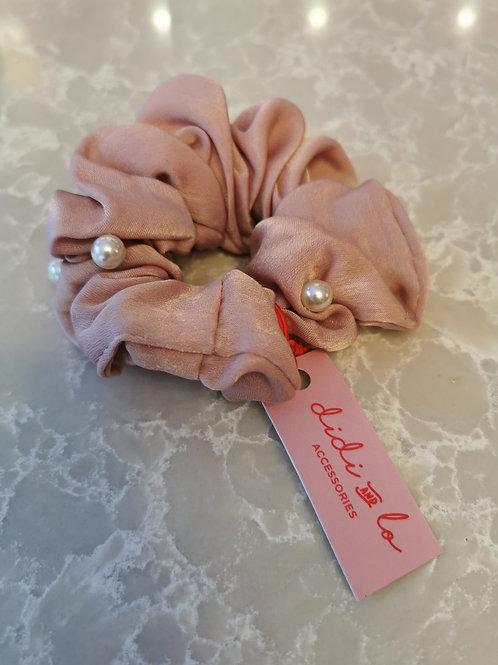 Pearl Schrunchie Pink