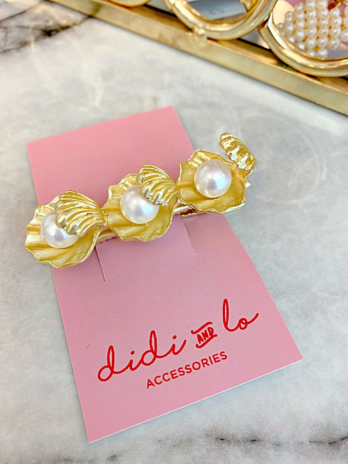 Gold Oyster Shell Pearl Clip