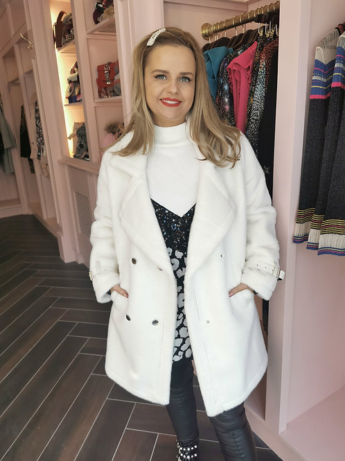 Swan Coat White