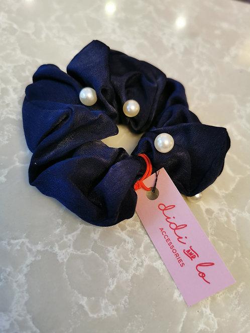 Pearl Scrunchie Navy