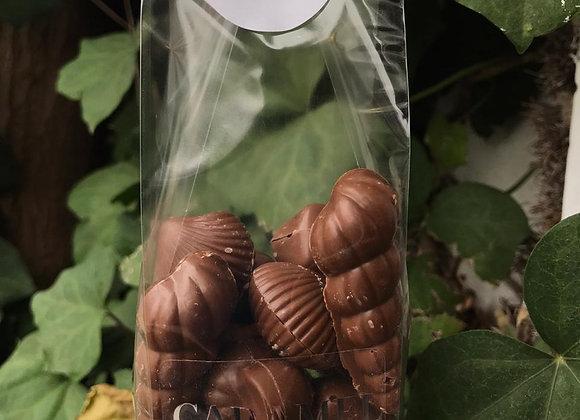 Conchitas de chocolate de leche sin azúcar