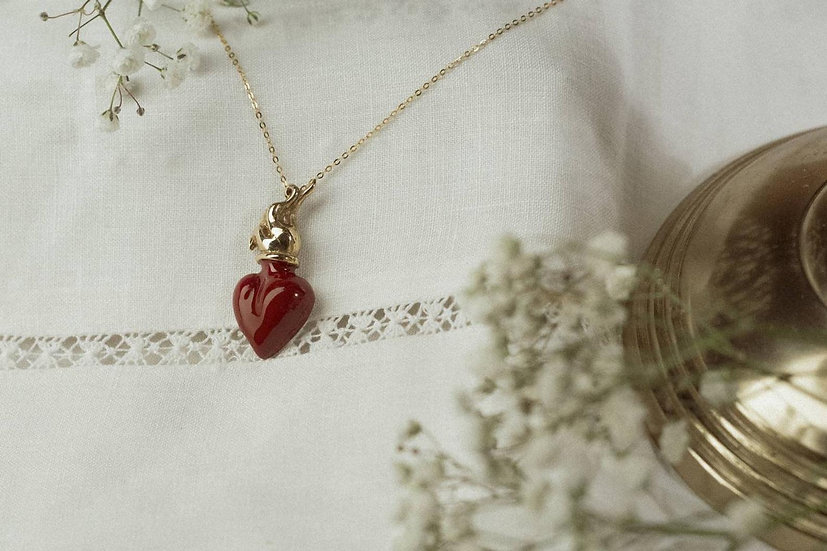 Sacred heart pendant with gold silver chain