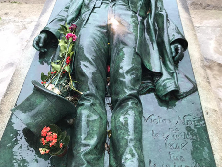 Chasing fame in a Paris cemetery