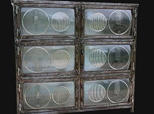 meubles phares de mercedes.jpg