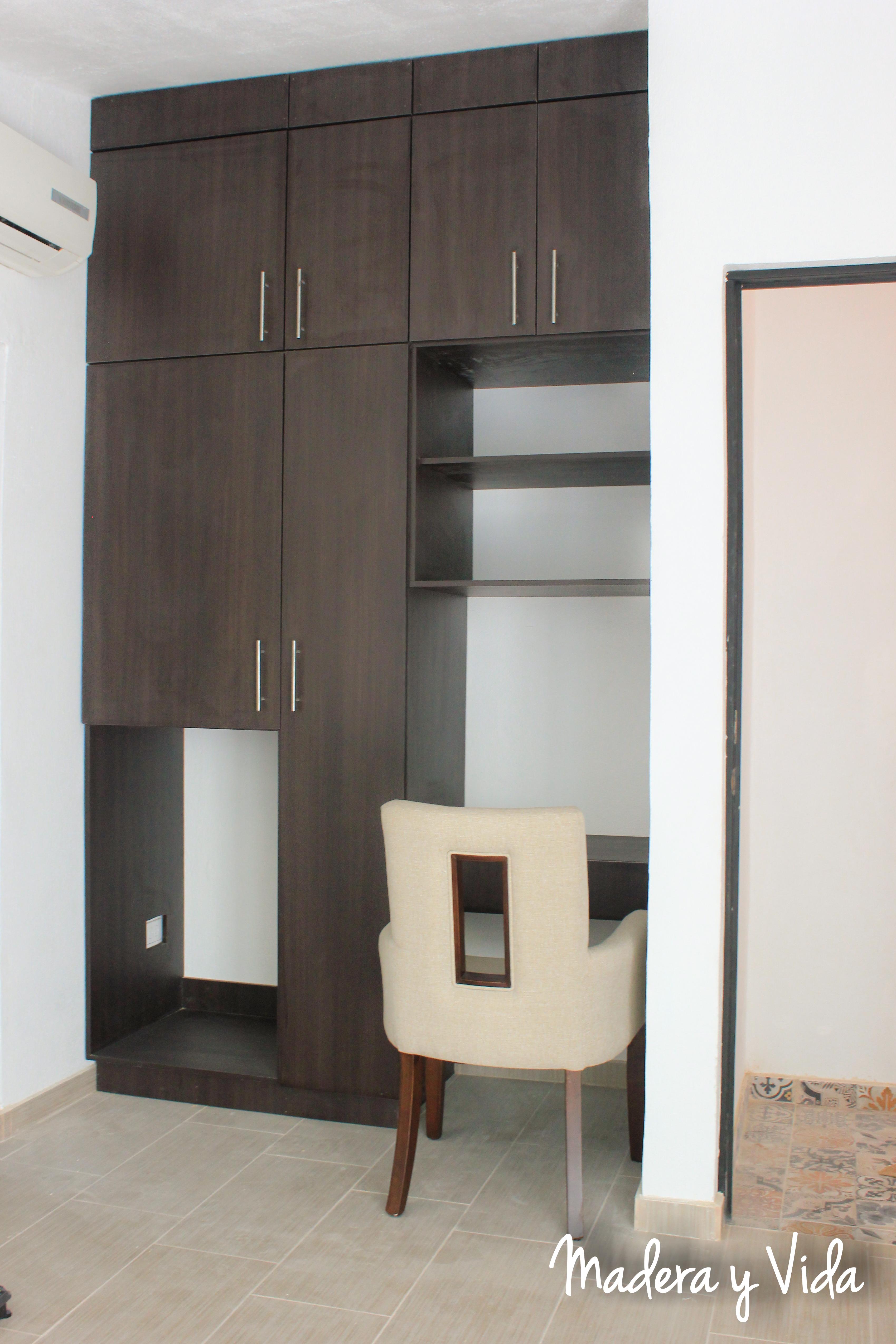 Closet con escritorio