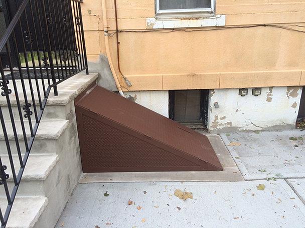 Cellar basement bilco and sidewalk doors for Bilco doors