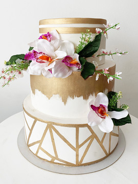 Gold Cake1.jpg