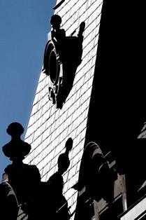 Monde poétique  Profil  Matières, ombres, aplats chromatiques, dessins, figures