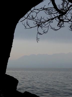 Profil de lac  Matières, aplats chromatiques, dessins, figures