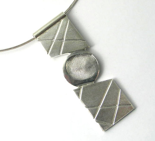 FT04: Diagonal Pendant.