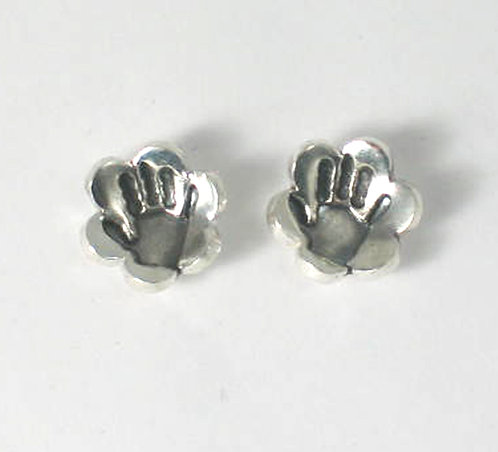 PT07: Flower Stud Earrings.