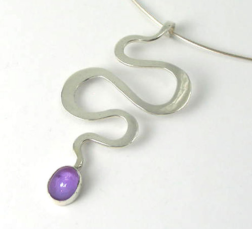 R004: Silver Planished Stone-Set Pendant.