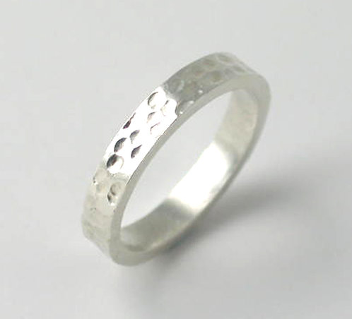 M012: Silver Textured Dot Ring. 3mm Ring. Size M.