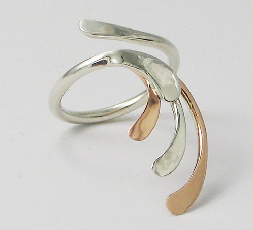 A005: 9ct Red Gold and Silver Fantail Ring.