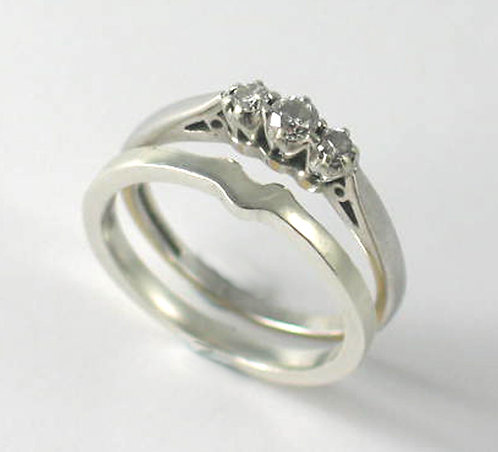 9ct White Gold Shaped Wedding Ring.