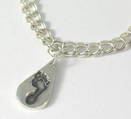 PT08: Charm Bracelet.