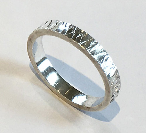 R006: Diamond Textured Design. 3mm Ring.