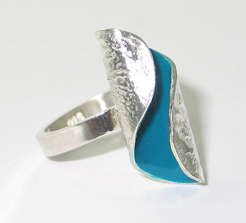 RT02: Silver and Enamel Ring.