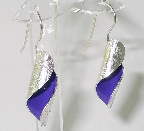 RT03: Silver and Enamel Drop Earrings.