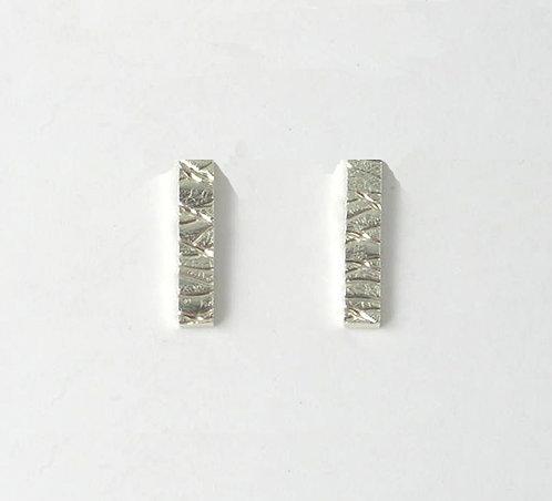 G013: Line Textured Drop Stud Earrings.