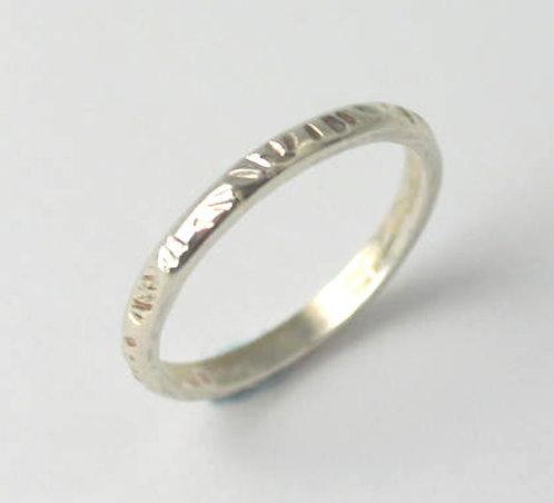 G014: Silver Textured Ring.