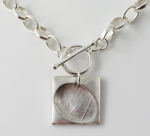 FT28: T-Bar Belcher Chain Necklace.