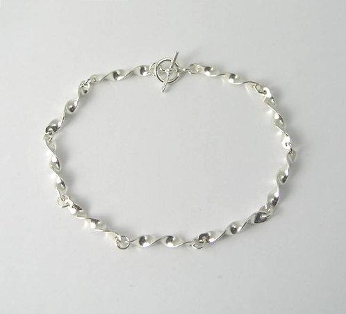 G009:Silver Twist Bracelet.
