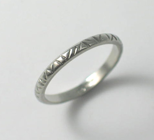 T010: Line Textured Design. 2mm Ring.