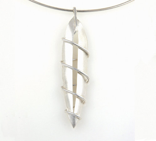 G004: Silver Pod Pendant.