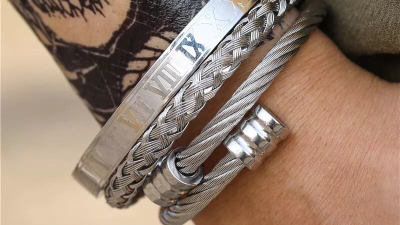 Silver stainless steel bracelet set