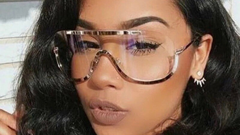 Gold frame oversized contouring glasses