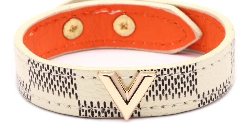 White & gold cuff bracelet